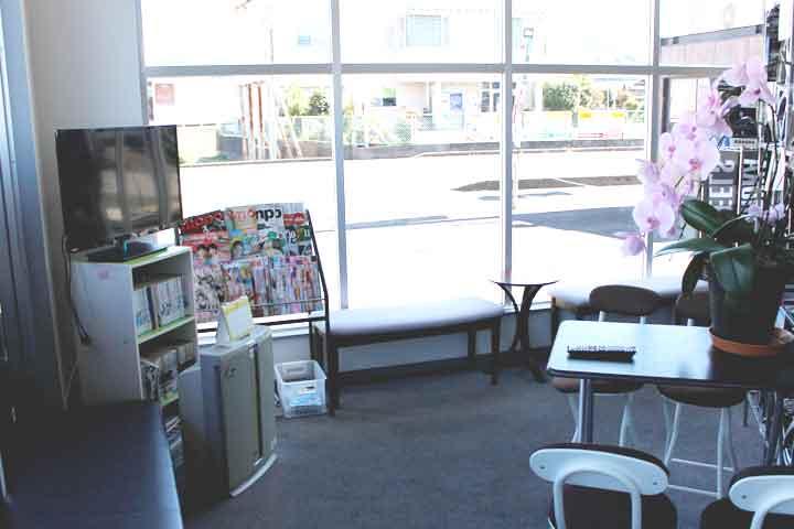タイヤショップME犬山本店 待合スペース